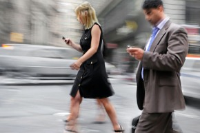 "WPU Professor Reveals Research on ""Texting & Walking"""